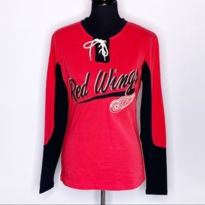 Old Time Hockey Red Wings lace up neck long sleeve top M